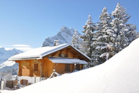 cottage: Paisaje alpino. Suiza  Foto de archivo