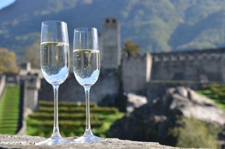 sektglas: Pair of champagne glasses Bellinzona, Schweiz Lizenzfreie Bilder