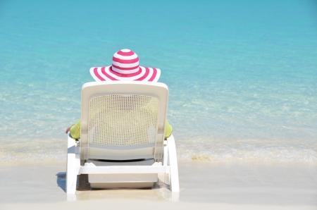 coolie hat: Girl on the sunbed
