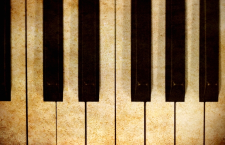 Old vintage piano Stock Photo - 13854467