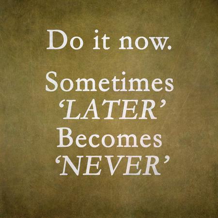 Inspirational motivating quote on old grunge  Standard-Bild