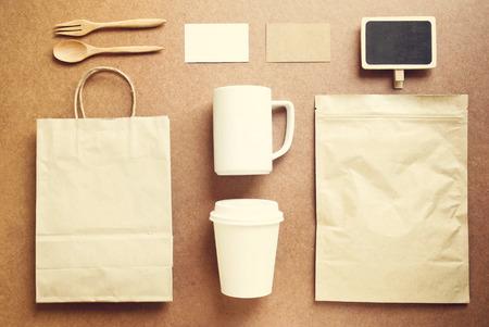 alimentos y bebidas: Identidad de marca de caf� maqueta establece con efecto retro filtro Foto de archivo