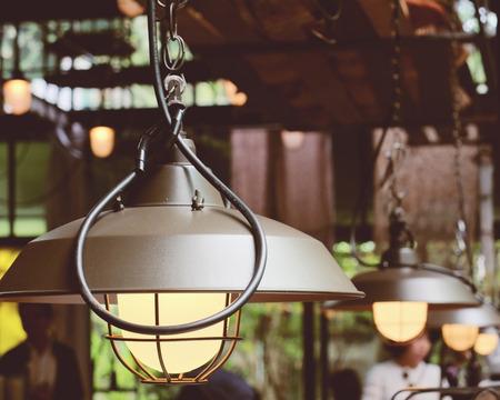 electricidad industrial: Decoración de la lámpara de iluminación del vintage con efecto retro filtro
