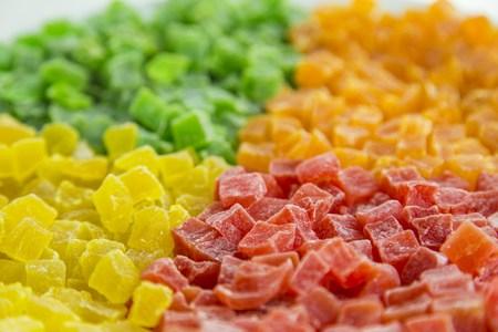 color in: Multicolores succade color 4 en la placa sobre la mesa