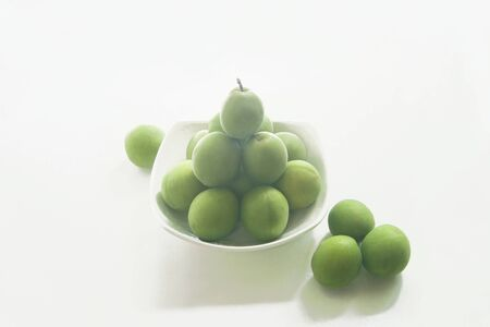 Plum, Japanese apricot, plum fruit, fruit, fresh, harvest, sourness, summer, june, food, healthy food, yellowish green, 스톡 콘텐츠