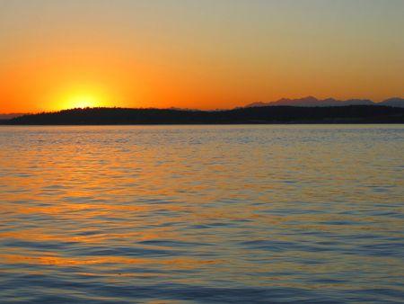 puget sound: Puget Sound al tramonto