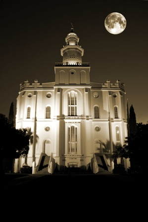 mormon: St. George Temple of The Church of Jesus Christ of Latter-day Saints at night with full moon