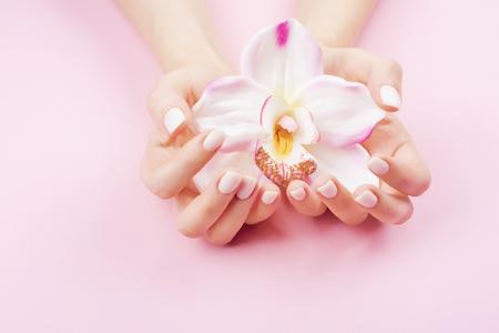Mooie pastelkleurige manicure