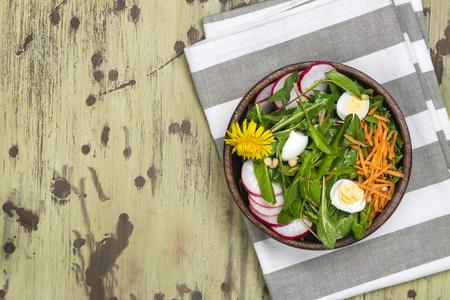 Fresh dandelion salad Banco de Imagens - 122264923