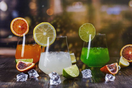 Tropical summer cocktails 版權商用圖片