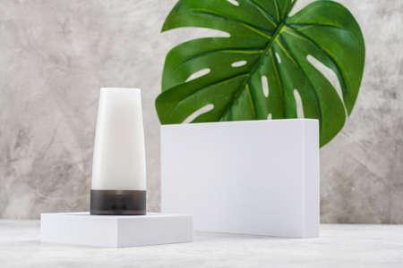 Minimal product display stand