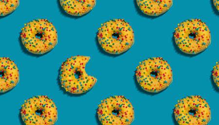 Colorful seamless doughnut pattern Archivio Fotografico