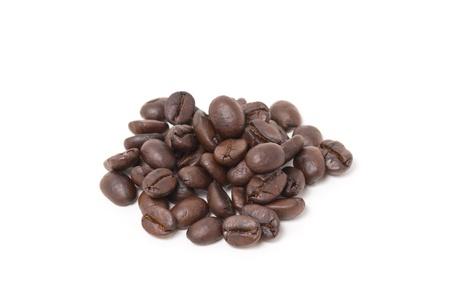 커피 콩 흰색 배경에 고립입니다. 스톡 콘텐츠