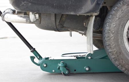 hydraulic: Hydraulic Floor Jack