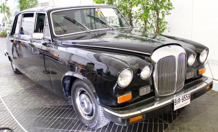 daimler: PATHUMTHANI, THAILAND - JUNE 22   Daimler Sovereign Series III Vanden Plas 4200 cc Vintage Car Made in 1979 By Great Britain On Display At The 37th Vintage Car Concours on June 22, 2013 in Pathumthani, Thailand