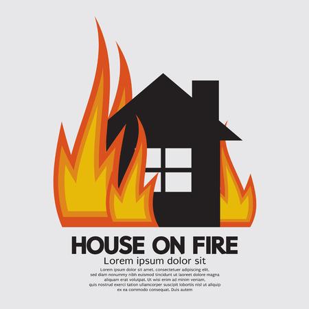 incendio casa: Casa En La Ilustración Fuego Vectores