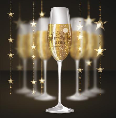 Glasses of champagne and candles: thành phần với những vòng hoa và ly rượu sâm banh Giáng sinh