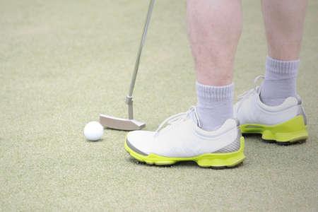 Putting golf man 版權商用圖片