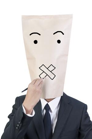 Zakenman deksel hoofd tekenen zijn gezicht over zijn emoties