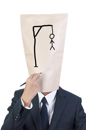 ahorcado: Empresario cubierta la cabeza de escritura ahorcado en su rostro