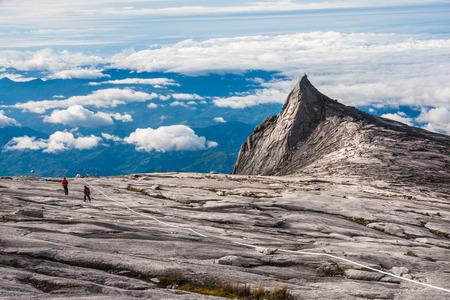 キナバル山は Borneo(4,095m) の島で一番高い山です。