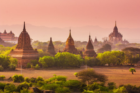 temple mount: Temples in Bagan, Myanmar