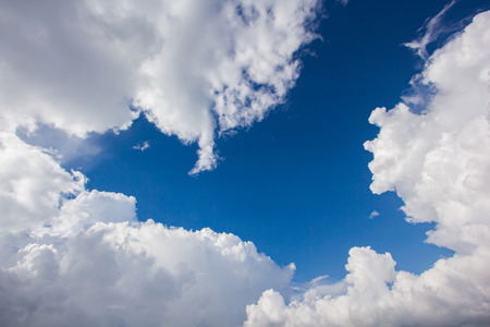 blue background: blue sky cloud background