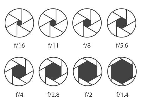 Kreative Vektorillustration der Kameraverschlussblende mit unterschiedlicher ISO lokalisiert auf transparentem Hintergrund. Einfarbige Diagrammsammlung des Kunstdesigns. Abstraktes Konzept Grafikelement