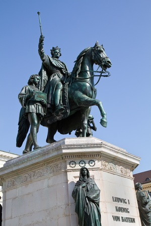 blu sky: Statue of King Ludwig of Bavaria in Munich, Germany, against blu sky