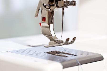 Nähmaschine, Detail Standard-Bild - 12537697