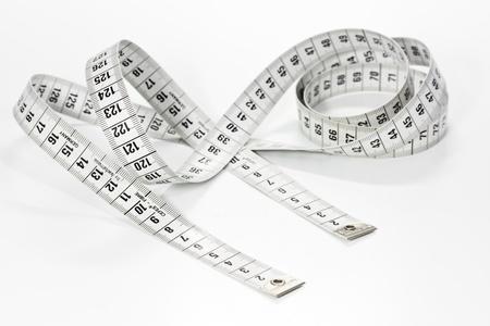 tailor measure: Nastro di misura su sfondo bianco
