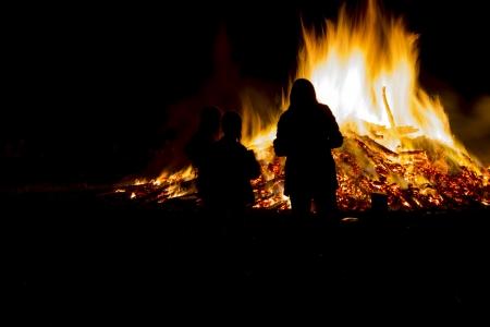 midsummer: Celebrating midsummer with a large fire
