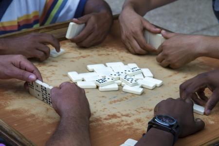 Spielen Domino auf Cuba Standard-Bild - 17419205