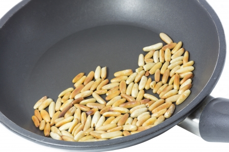teflon: Roasting pine nuts in a frying pan