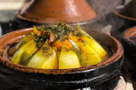 Traditionele Marokkaanse Tajine maaltijd Stockfoto