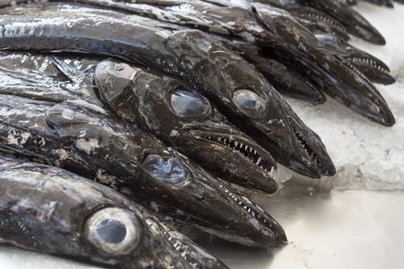 scheide: Schwarzem Degenfisch auf einem Markt