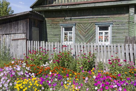 Old residential home in a village in Belarus (White-Russia) 스톡 콘텐츠