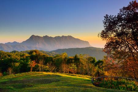 Sunrise at mountain range Reklamní fotografie
