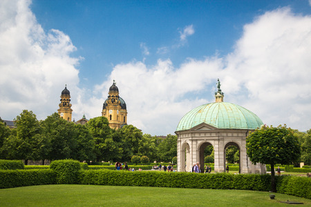 garden city: Pavillon in Munich Hofgarten