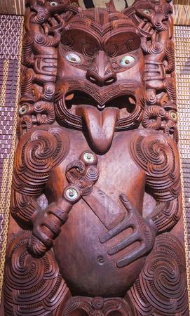maories: Talla maor� de Nueva Zelanda