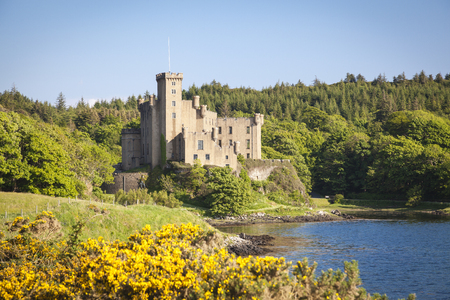 Dunvegan auf der Isle of Skye, Schottland Standard-Bild - 69555846