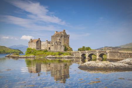 Eilean Donan Schloss, Loch Duich, Highlands, Schottland Standard-Bild - 69703981