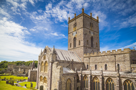 St Davids cathedral in Pembrokeshire, Wales 報道画像