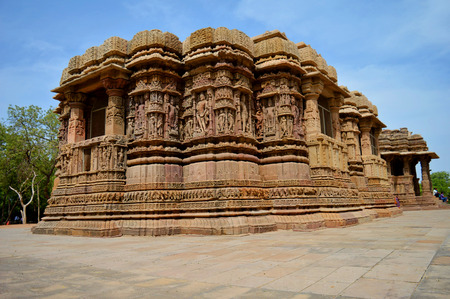 monuments: Indian Monuments