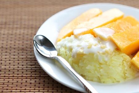 Thai Dessert Sweet herb Sticky Rice With mango. Stock Photo - 9746622