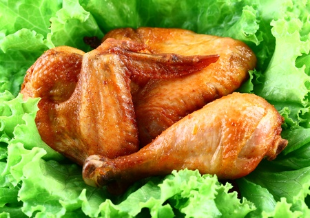 grilled chicken on lettuce photo