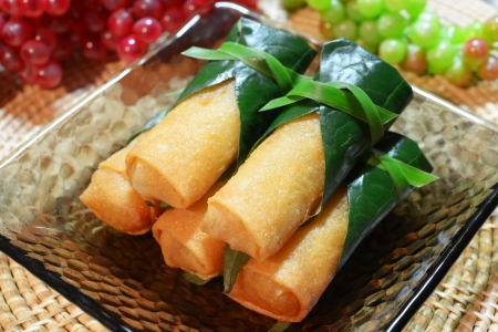 Krokante Chinese Traditionele Spring rolls voedsel op schotel