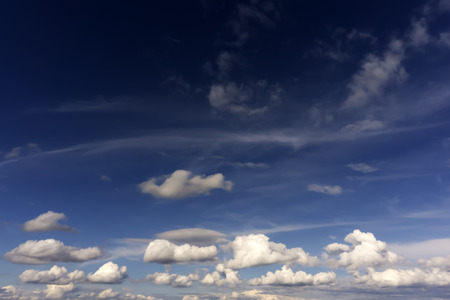 background - blue sky with rain cumulus clouds 版權商用圖片