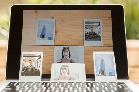 expose: Self-portarit photos expose on a Laptop