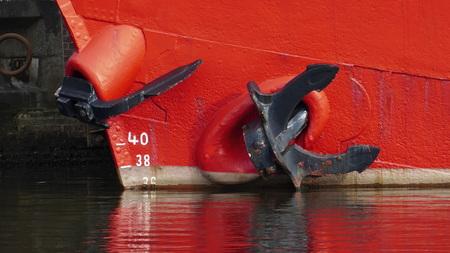 Schiffsanker, Anker seitlich und am Bug Imagens
